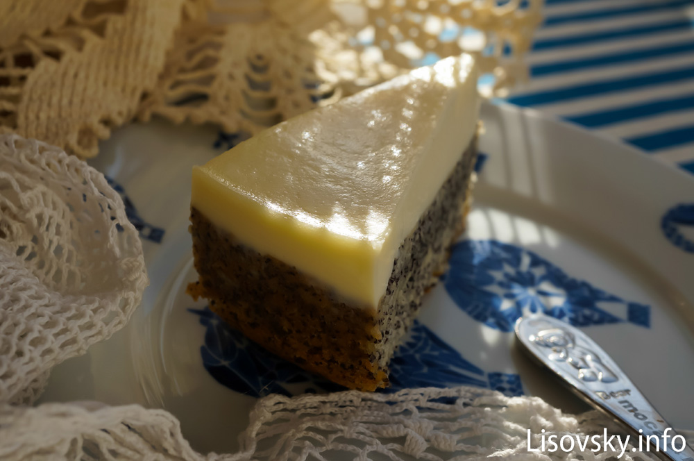 Маковый пирог со сметанным кремом